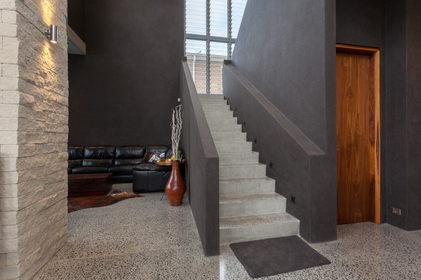 Green Hills Beach Home - Stairway