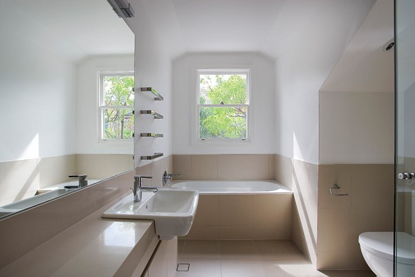Birchgrove Home - Bathroom